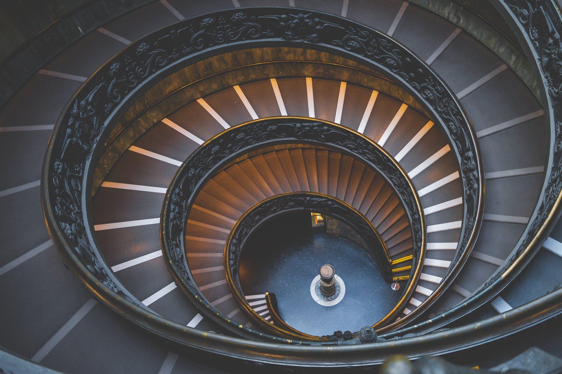 kafelki na schody wewnętrzne