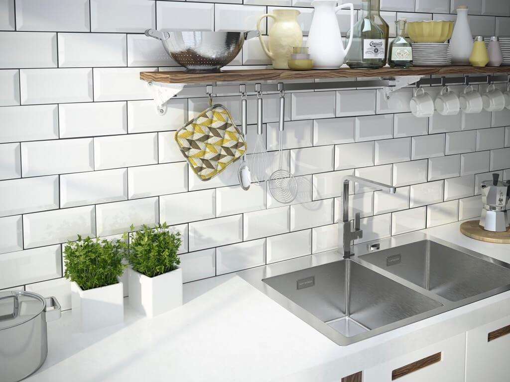 płytki imitujące cegiełki na ścianie w kuchni